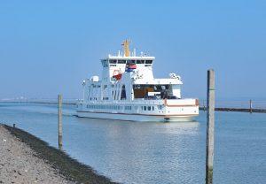 Mit der Fähre geht es von Norddeich aus auf die schöne Insel Norderney.