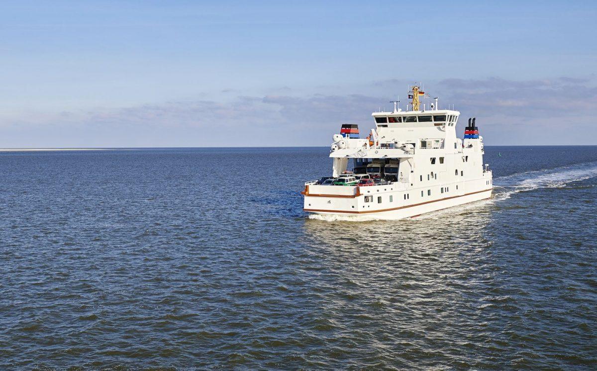 Um nach Norderney zu gelangen und um dort von A nach B zu gelangen, gibt es verschiedene Möglichkeiten. Zum Beispiel mit dem Auto, mit der Bahn, mit dem Bus, mit der Fähre, mit dem eigenen Schiff oder mit dem Flugzeug.